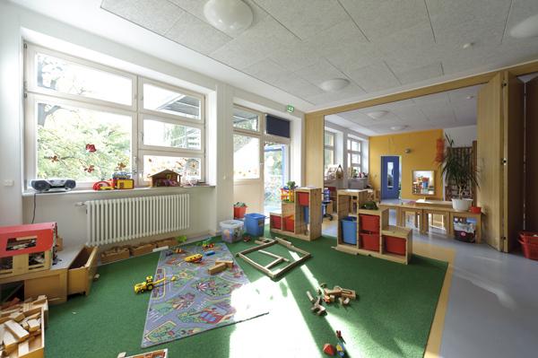 berlin steglitz zehlendorf erzieher in im fr bel kindergarten augustastrolche vollzeit. Black Bedroom Furniture Sets. Home Design Ideas